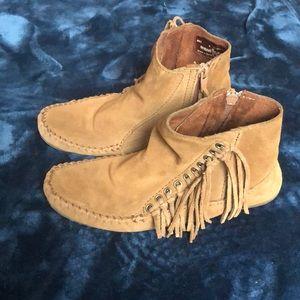 Minnetonka tan ankle boots